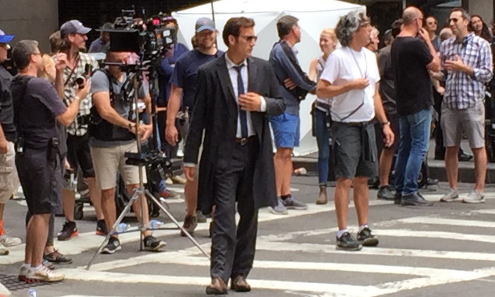 Veja fotos de Clive Owen e Amanda Seyfried filmando novo projeto em Nova York!