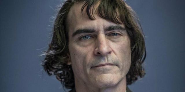 Coringa: Joaquin Phoenix na transposição do vilão.
