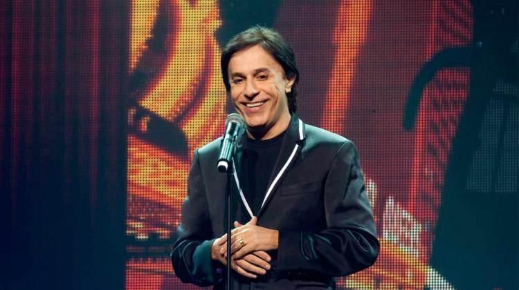 """Teatro Bradesco Apresenta: Tom Cavalcante volta ao palco do Teatro Bradesco SP com """"STOMDUP"""""""