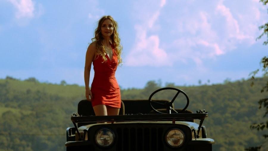 """Pandora Filmes divulga novo trailer de """"A moça do calendário"""""""