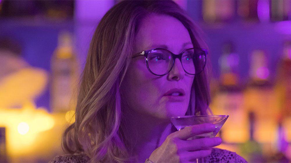 """Novo filme estrelado por Julianne Moore, """"Gloria Bell"""" ganha trailer"""