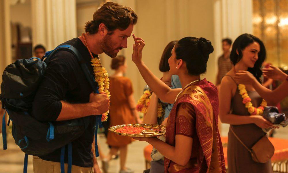 """Dev Patel e Armie Hammer enfrentam momentos de tensão em """"Atentado ao Hotel Taj Mahal"""""""