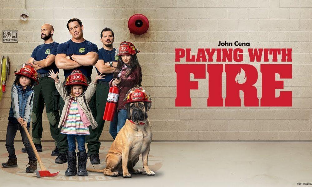 Brincando com Fogo: John Cena apagando muito incêndio quando precisa ser babá de três crianças