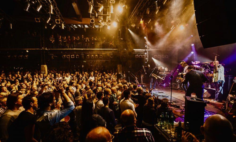 Dire Straits Legacy chega ao Brasil para nova turnê