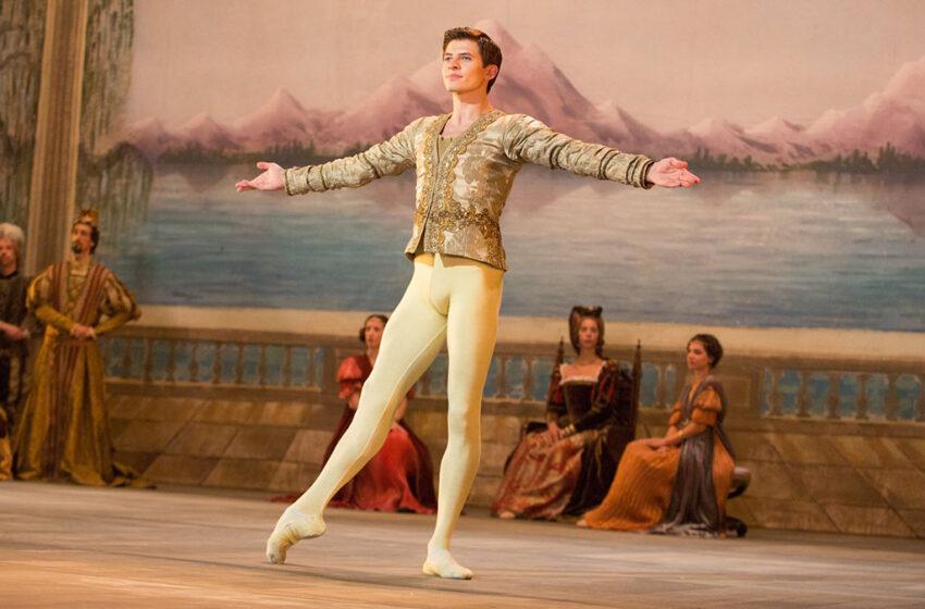 "Aquele que ousou no ballet clássico – ""O Corvo Branco"""